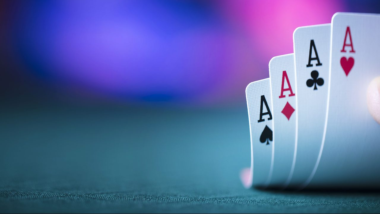 How to play poker game for real money?